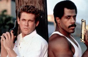 """Michael Dudikoff y Steve James interpretan a dos exagentes de la CIA en """"La fuerza de la venganza""""."""