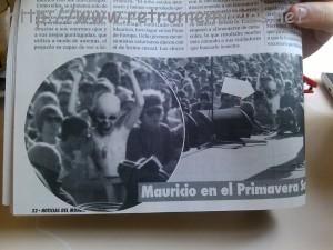 Páginas interiores del número 1 de Noticias del Mundo en el que podemos ver una foto de Mauricio en el Primavera Sound.