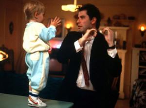"""Desde que es padre a Manel le ha dado por emular a John Travolta en """"Mira quién habla""""."""